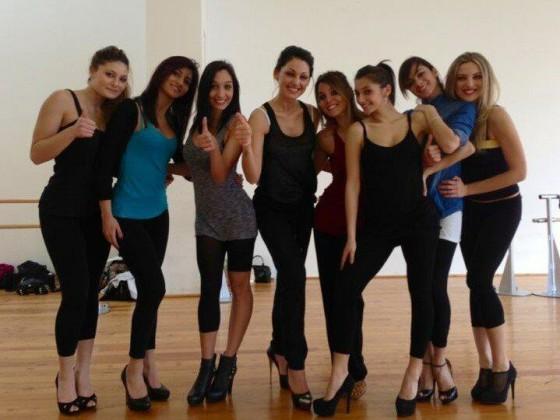 I ballerini di Amici nel corpo di ballo di Anna Tatangelo