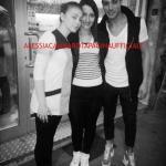 Aldo Palmeri e Alessia Cammarota con le fan