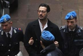 """Fabrizio Corona è stato scarcerato e affidato alla comunità di Don Mazzi: """"Dentro non ci tornerò più!"""""""