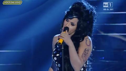 Karima Hammar imita Amy Winehouse