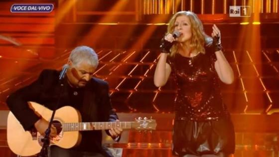 Sergio Friscia ed Elena Di Cioccio imitano Pino Daniele e Irene Grandi