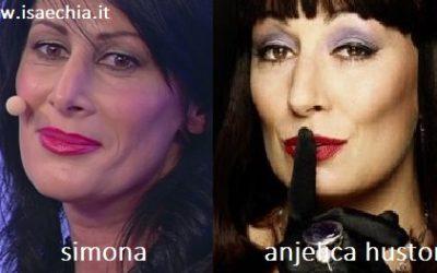 Somiglianza tra Simona e Anjelica Huston
