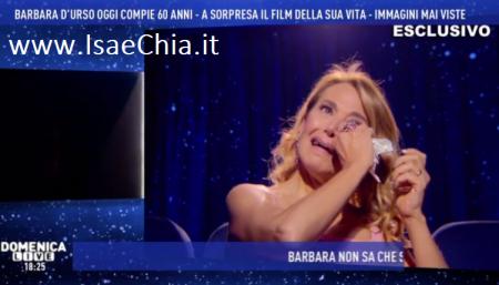 Barbara D'Urso si commuove e impietosisce Domenica Live: la sorpresa